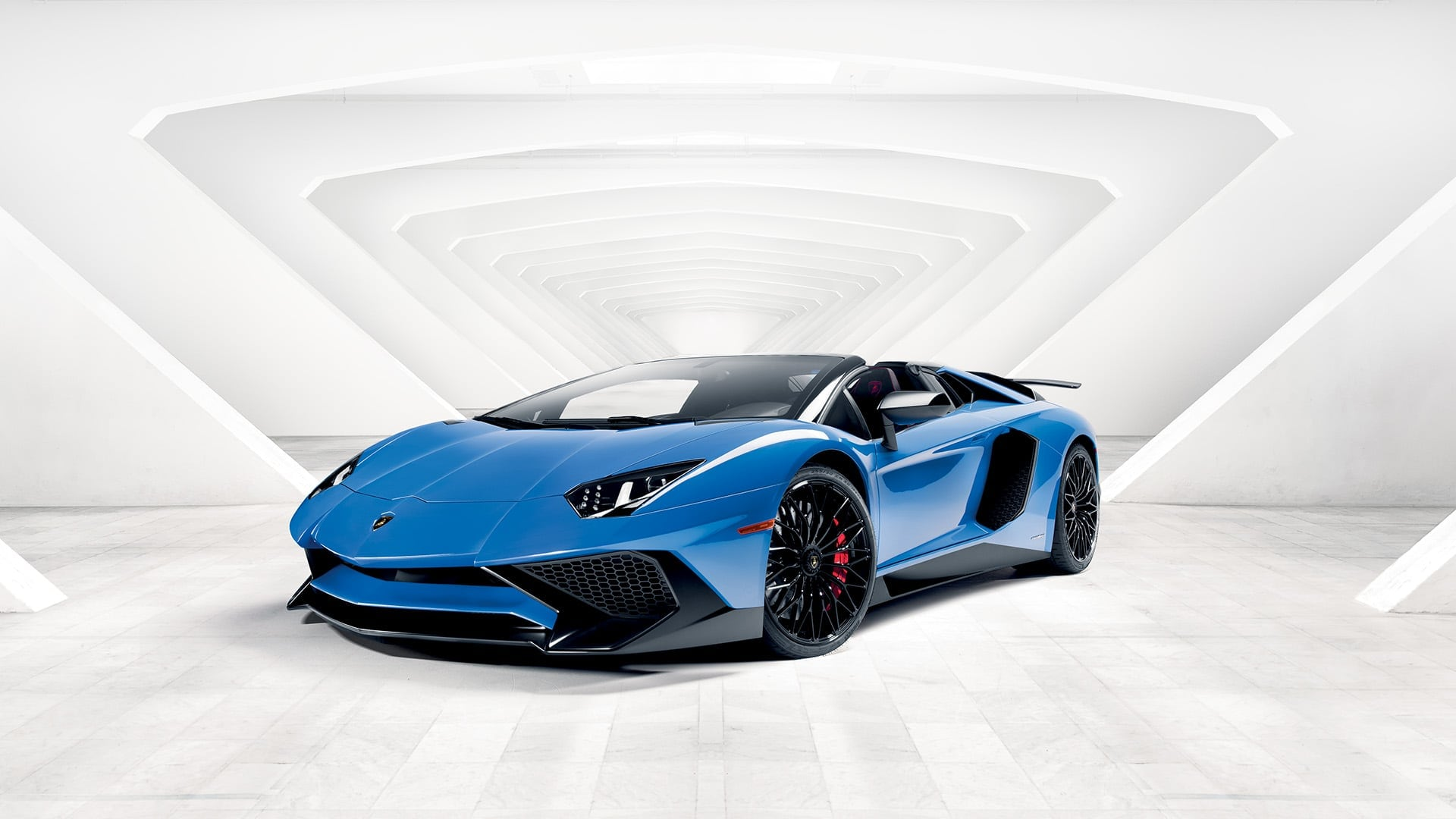 Lamborghini Aventador Superveloce Roadster Pictures Videos