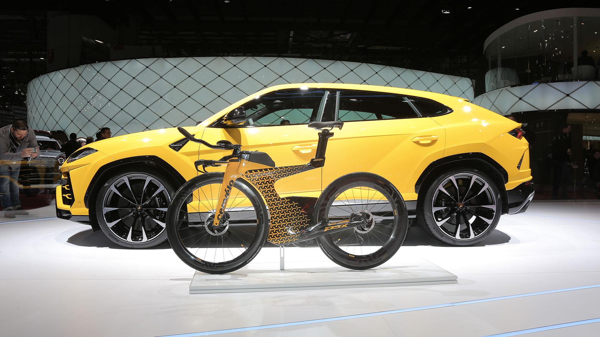 Lamborghini Firma Unesclusiva Bicicletta Da Triathlon